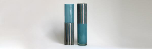 2 türkisblaue Zylinder Hochschnitt Platin