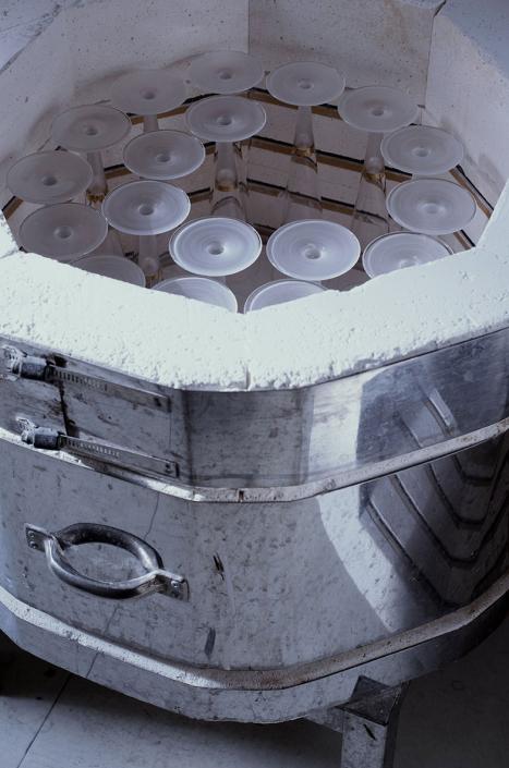 Brennofen gefüllt mit JULIA 1. Brand eben fertig