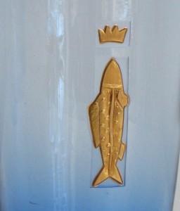 Fisch1 blaues Glas, Gravur vergoldet