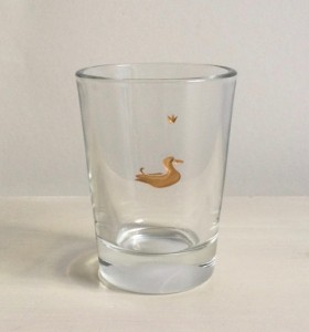 Ente mit Krönchen, Glas graviert farbvergoldet