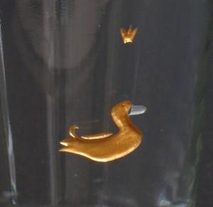 Ente Detail der glasgravur, vergoldet